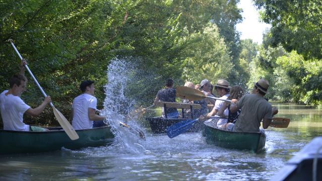Promenade en barque et canoë à Saint-Hilaire-la-Palud